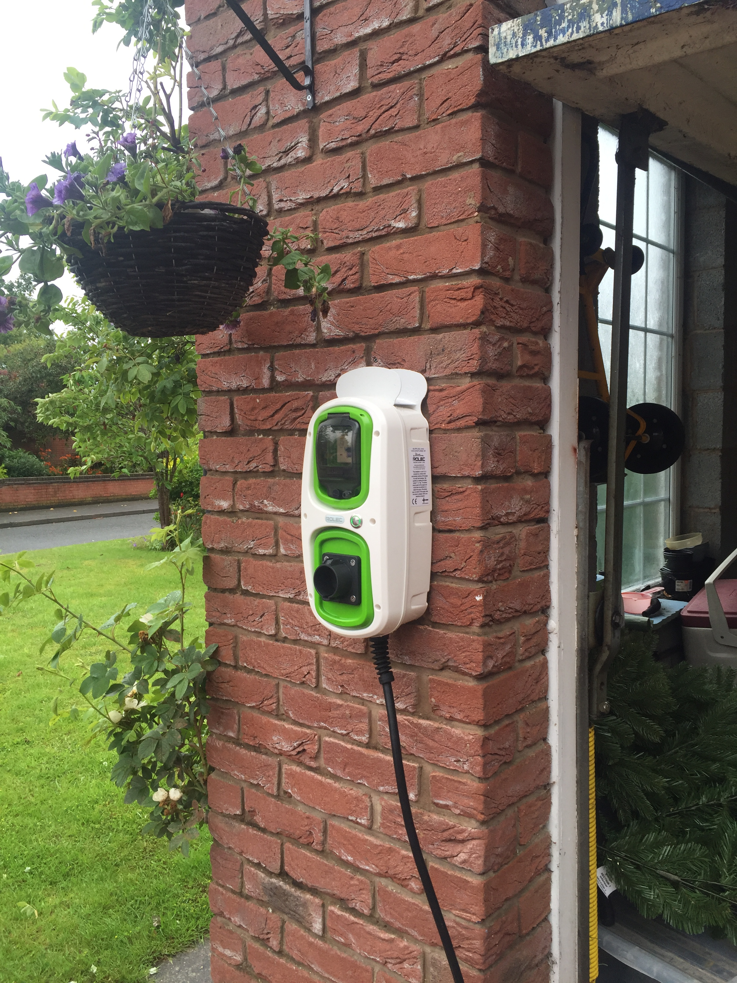 Electric Car Charging Points Installation >> Electric vehicle charging points | Barlows